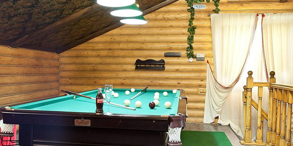 бильярд в бане Contry Club